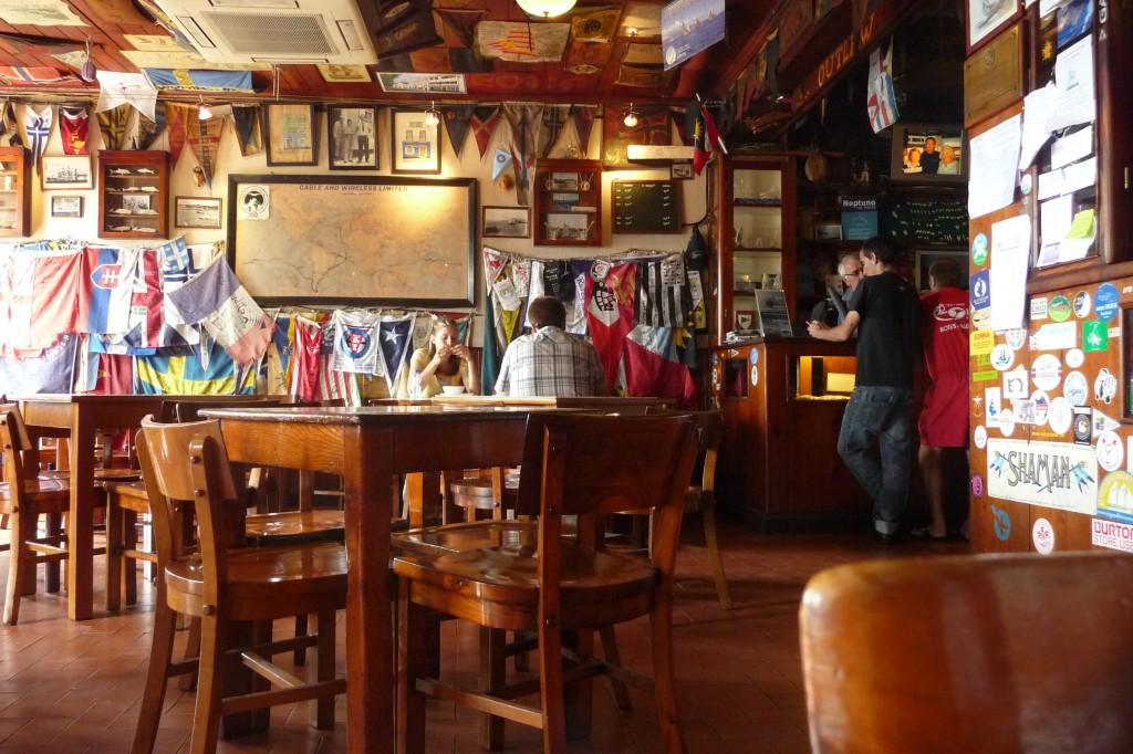 Le Peter's bar pub mythique au milieu de l'Atlantique
