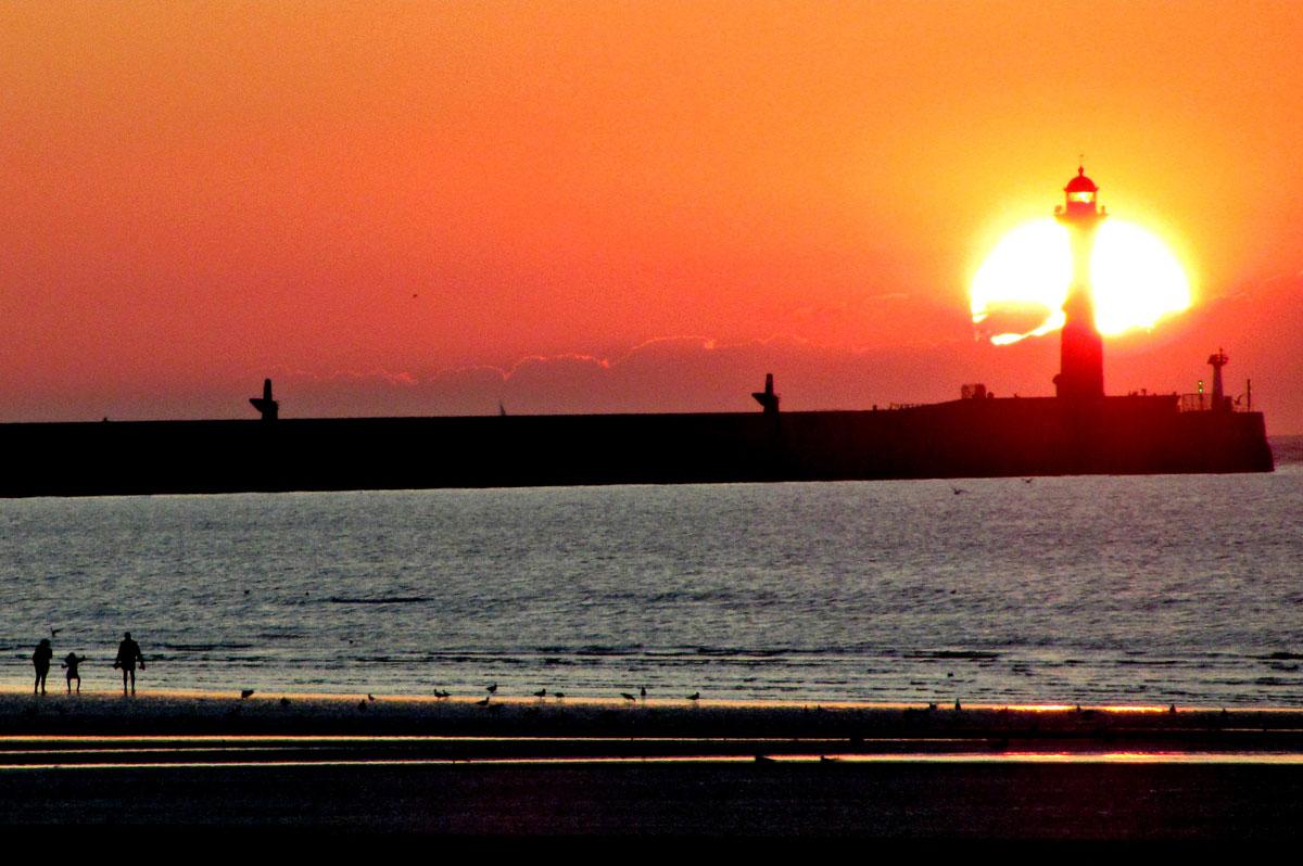 La plage de Malo-les-Bains, à Dunkerque, au coucher du soleil - Quentin Verwaerde (CC BY-ND 2.0 - Flickr)