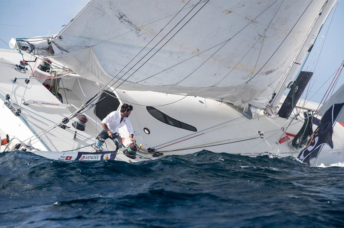 Le skipper suisse Alan Roura (La Fabrique) sur la vague - Christophe Breschi